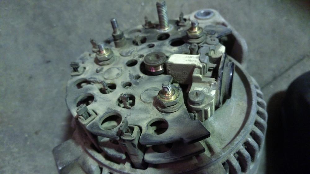генератор опель омега а нет зарядки